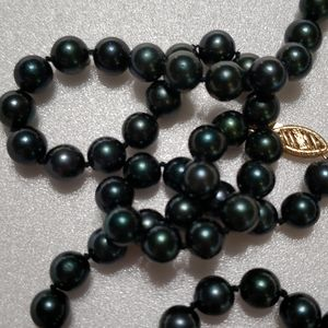"""Jewelry - 18"""" 14k FIC freshwater black pearl necklace"""